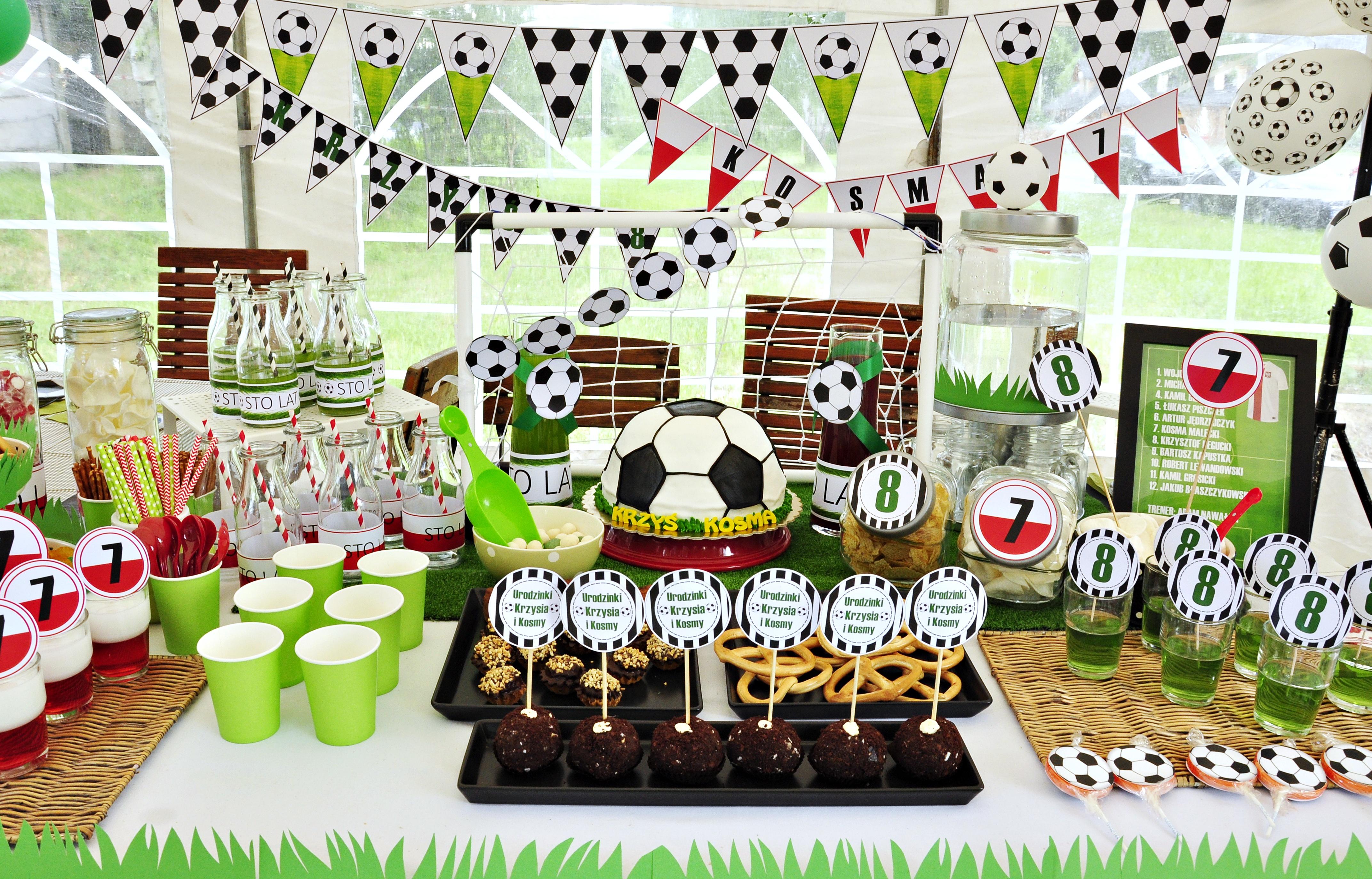 Urodziny w stylu piłkarskim. Słodki stół urodzinowy dla małego fana futbolu :)