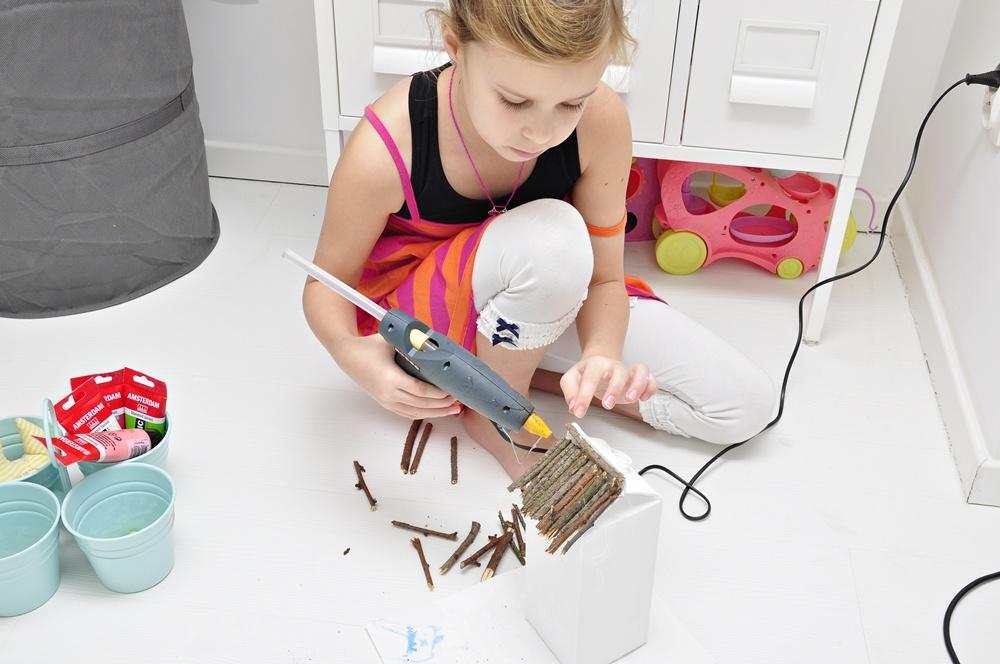 jak zrobić karmnik z butelki