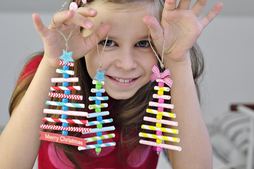 Jak zrobić z dzieckiem świąteczne dekoracje na choinkę … w kształcie choinki ;)