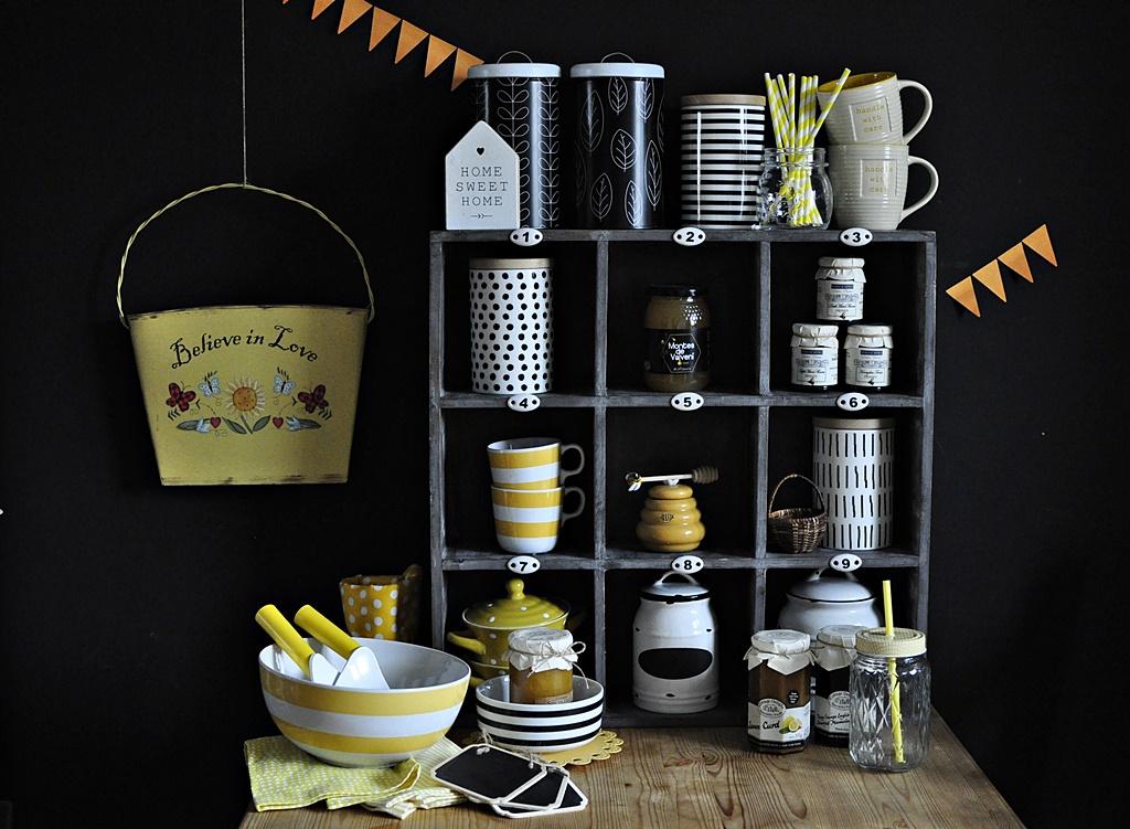 Czarna ściana w kuchni … i nasz kącik kuchenny z końca lata i początku jesieni …