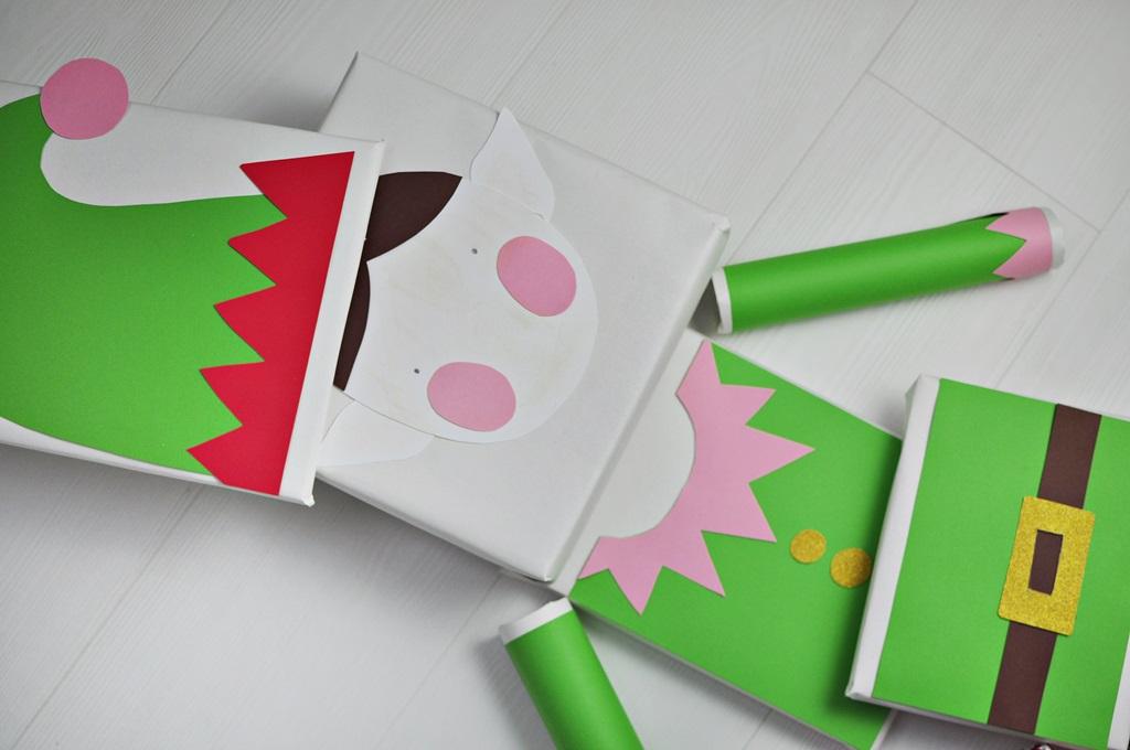 elf jako pomysł na spakowanie prezentów na święta