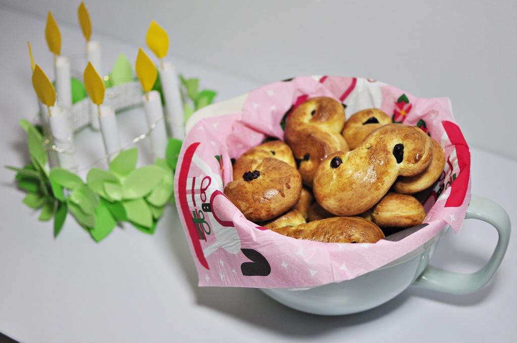 Lussekatter -  ciastka świętej Łucji przepis