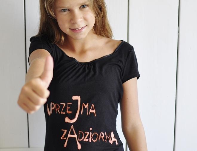 diy koszulka + wybielacz = oryginalność :)