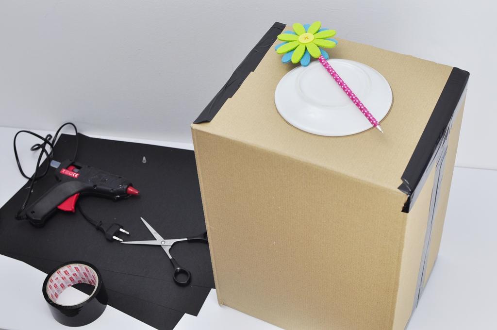 Zabawy dla dzieci w domu - pudełko zgadywanka