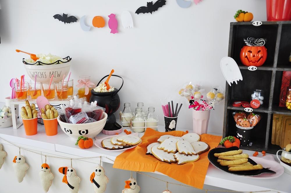 słodki stół na halloween