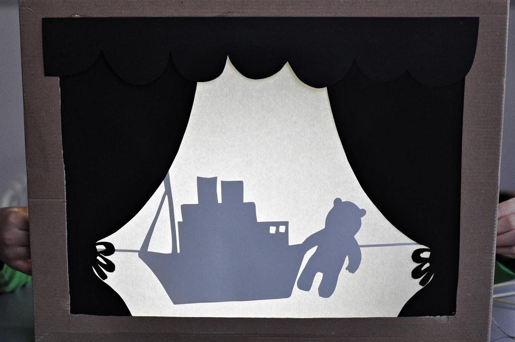 teatr cieni dla dzieci - zabawa